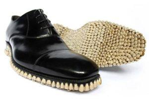 apex-predator-chaussure-dent (2)