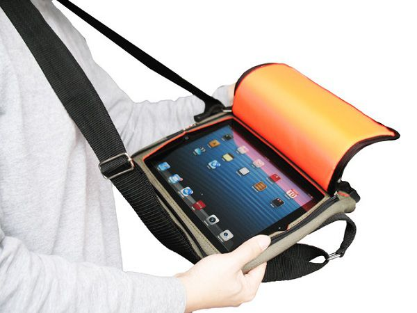 Utiliser son iPad sans le sortir de son sac : Messenger Bag et Convertible Travel Case