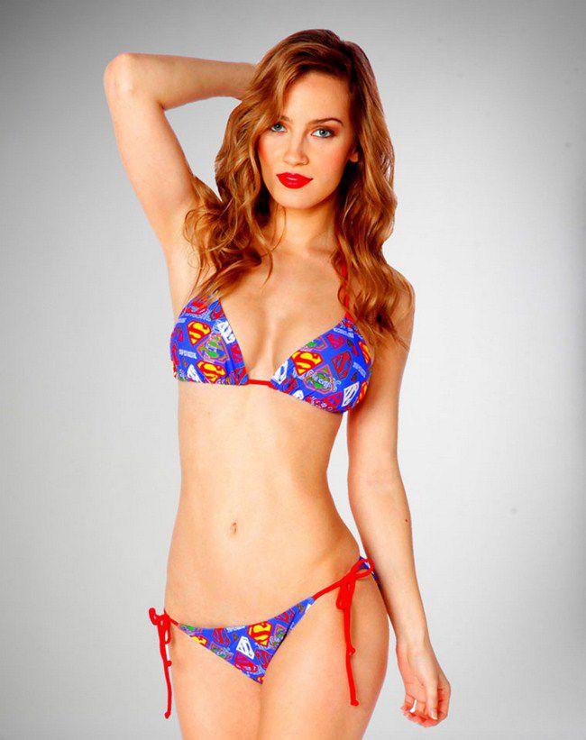 supergirl-bikini [650 x 821]