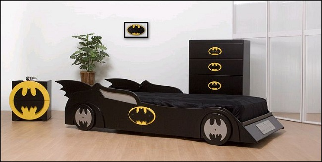 Batmobile-chambre-room-kid-batman-lit [650 x 327]