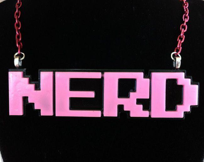 necklace-pendentif-geekette-nerd [650 x 516]