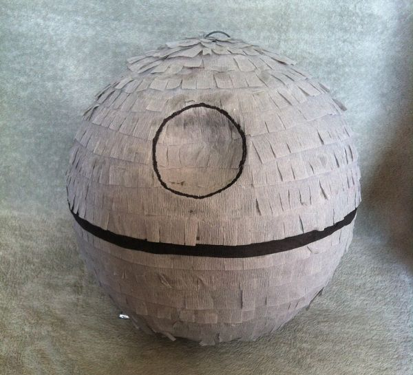pinata-star-wars-death-star [600 x 545]