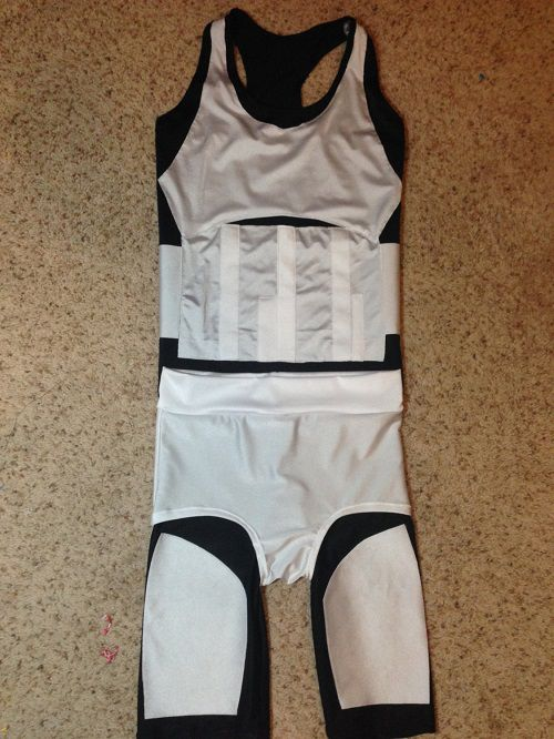 star-wars-running-stormtrooper-sport [500 x 666]