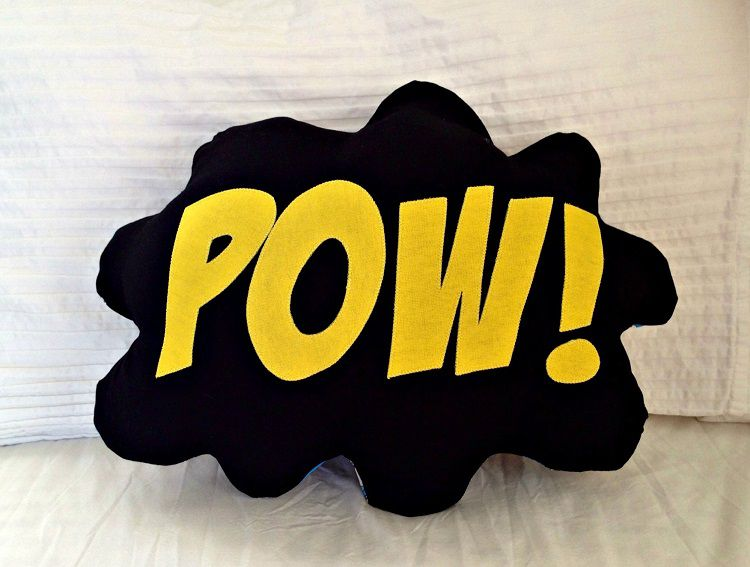 coussin-super-hero-bam-zap-pow-marvel-dc-comics [750 x 567]