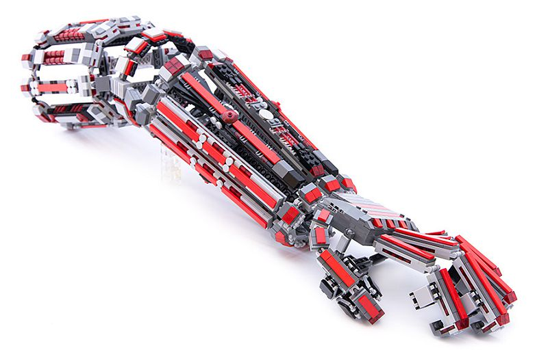 bras-arm-exosquelette-lego-2 [800 x 528]