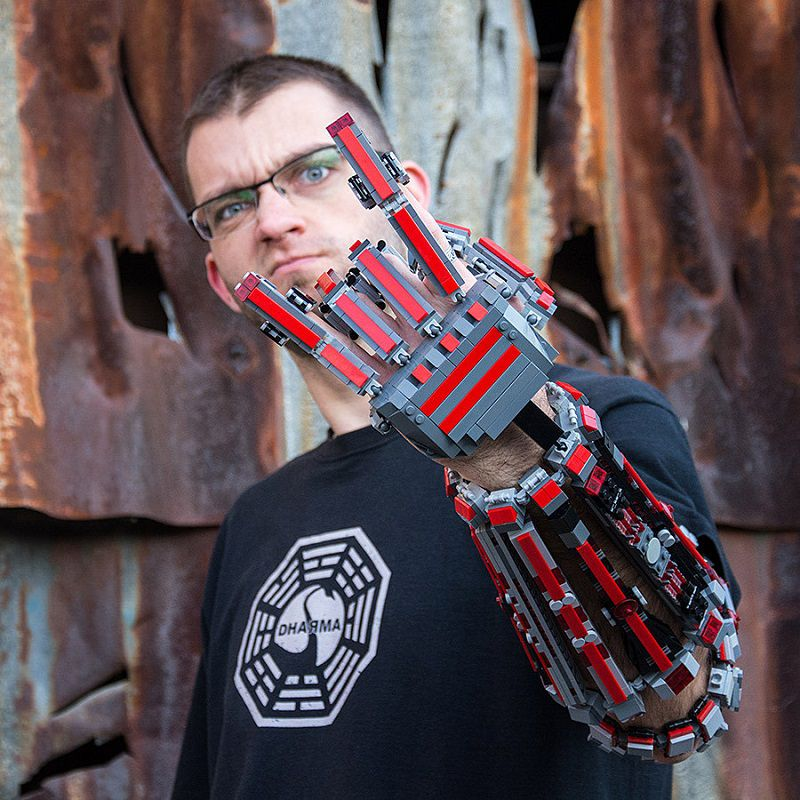 bras-arm-exosquelette-lego-4 [800 x 800]