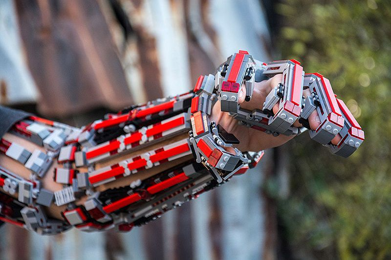 bras-arm-exosquelette-lego-5 [800 x 533]