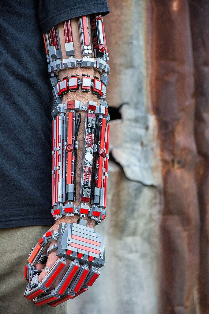 bras-arm-exosquelette-lego-6 [683 x 1024]