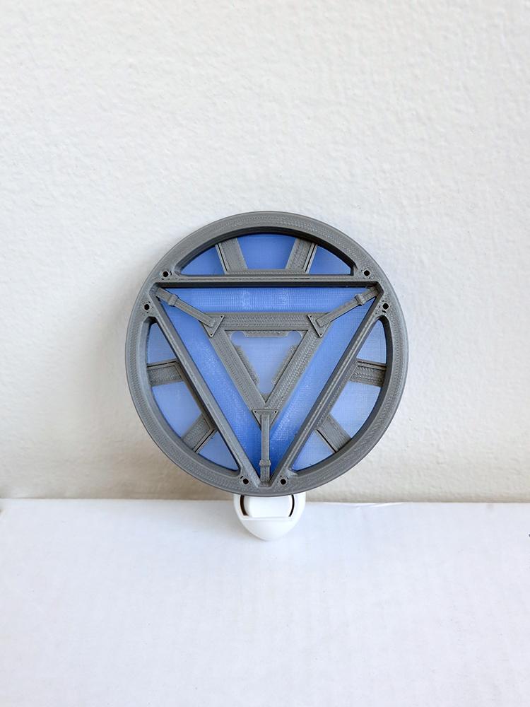 veilleuse-arc-reactor-iron-man [750 x 1000]