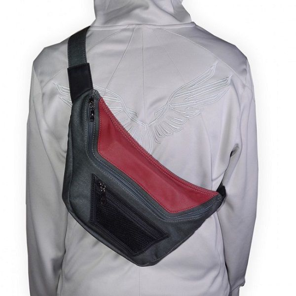 assassin-creed-3-sac-dos-une [600 x 600]