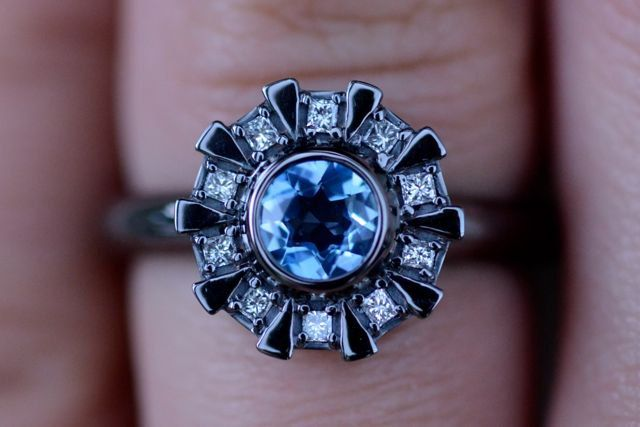 bague-fiancaille-arc-reactor-iron-man [640 x 427]