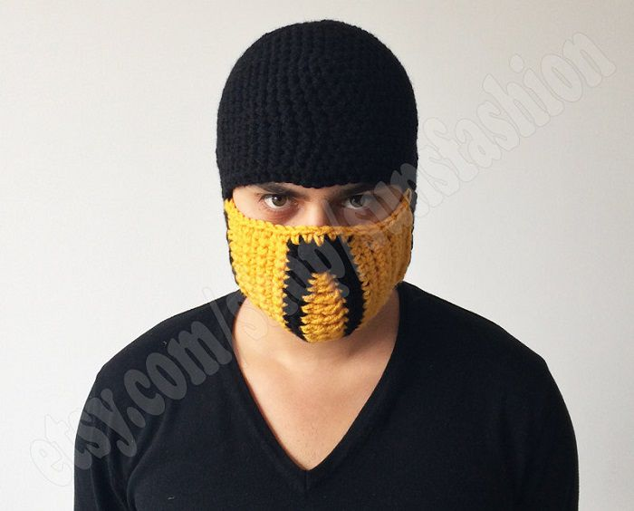 mortal-kombat-x-bonnet-beanie-mask-masque-ski-scorpion-2 [700 x 564]