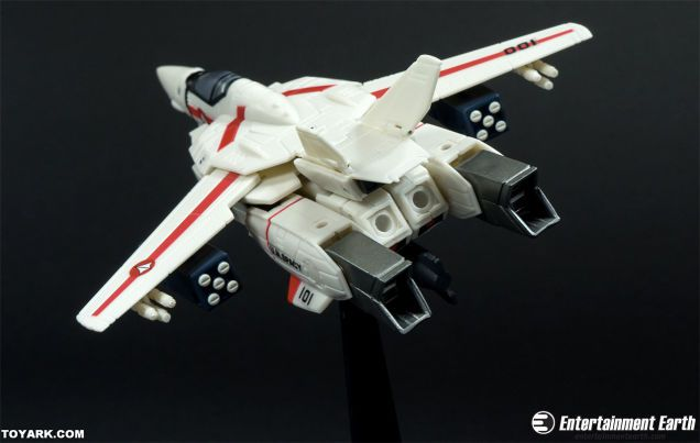 robotech-macross-figure-figurine-vf-1 [636 x 403]