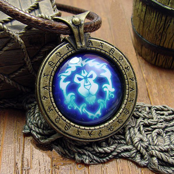 collier-pendentif-world-warcraft-alliance-necklace-pendant [600 x 600]