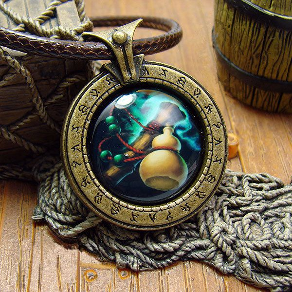 collier-pendentif-world-warcraft-moine-necklace-pendant [600 x 600]
