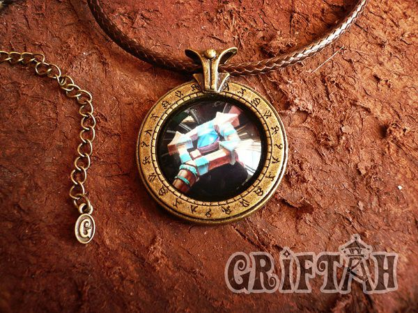 collier-pendentif-world-warcraft-pretre-necklace-pendant [600 x 450]