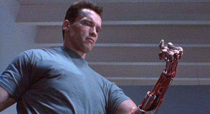 T-800-Terminator-2-bras