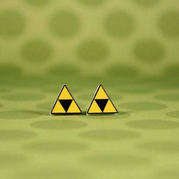 boucles-oreilles-bouclier-triforce-earrings-link-legend-zelda-2 [570 x 570]