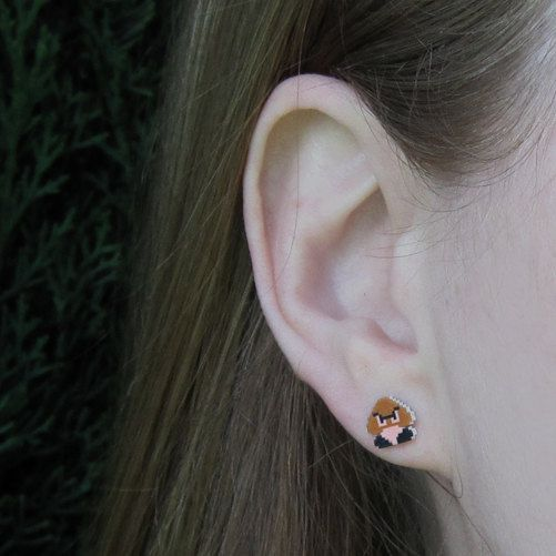 boucles-oreilles-earrings-nintendo-mario-goomba-2 [501 x 501]