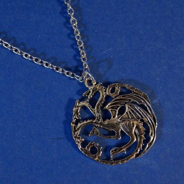 game-of-thrones-pendant-pendentif-collier-house-targaryen [640 x 640]