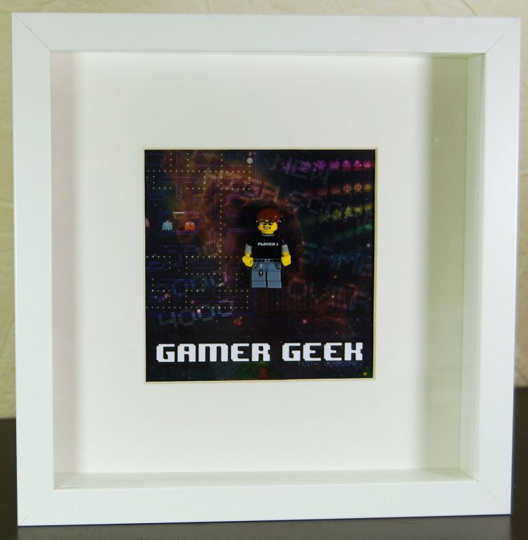 lego-frame-figure-cadre-figurine-tableau-movie-gamer-geek [750 x 767]