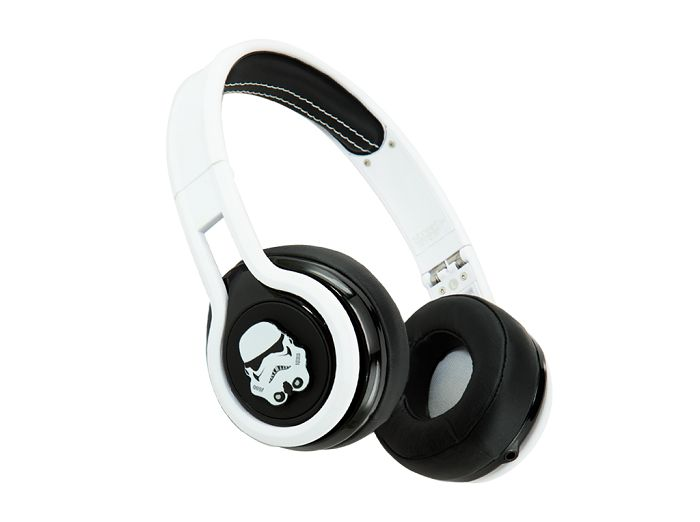 star-wars-stormtrooper-headphones-casque-audio-sms [700 x 522]