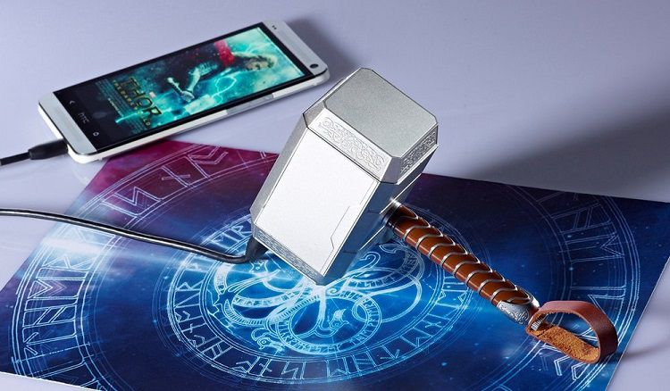 thor-power-bank-batterie-rechargeable-marteau-thor-mjolnir-3 [750 x 438]