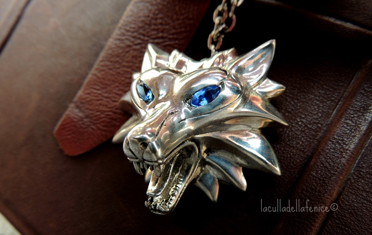 medaillon-witcher-bronze-saphir-pendentif-collier [750 x 474]
