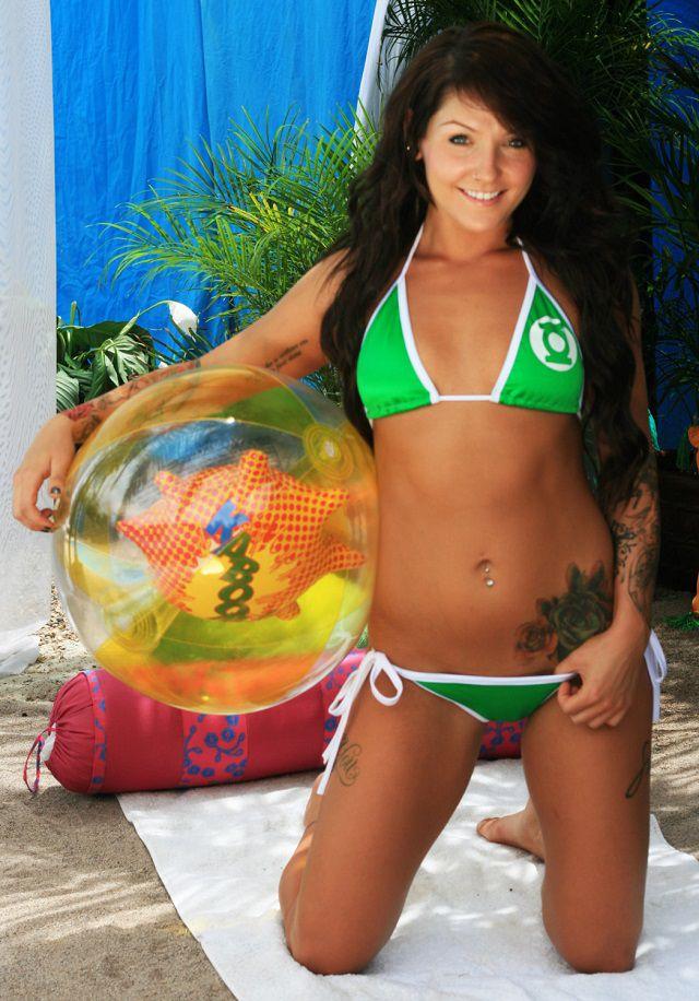 maillot-bain-bikini-green-lantern-dc-comics [640 x 916]