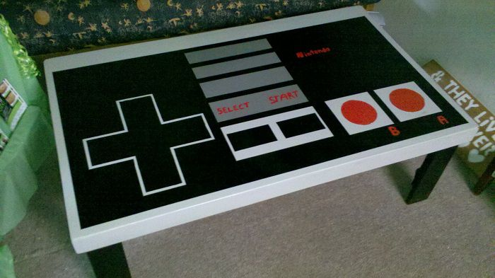 table-basse-nintendo-nes-controleur-manette-decoration [700 x 393]