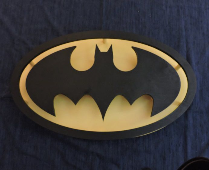 table-batman-basse-logo-vintage [692 x 562]