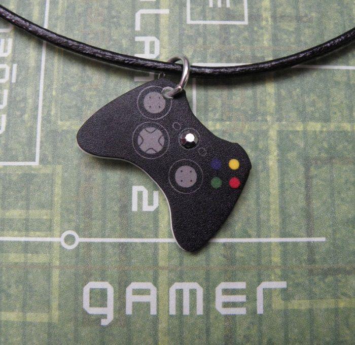collier-pendentif-microsoft-xbox-360-manette-controleur [700 x 680]