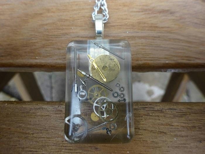 pendentif-steampunk-rectangle-1 [700 x 525]