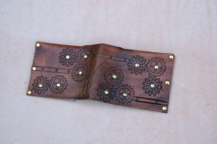 portefeuille-steampunk-cuir [700 x 465]