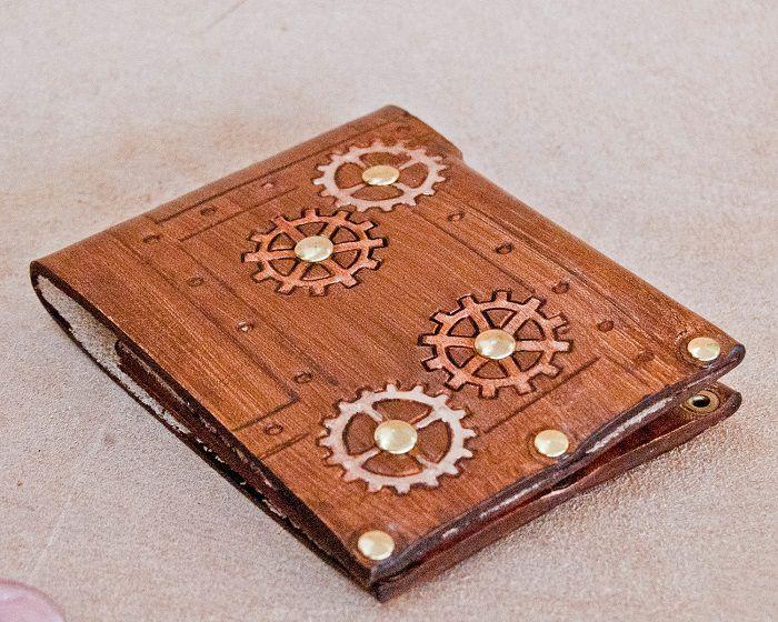 portefeuille-steampunk-cuir [700 x 560]