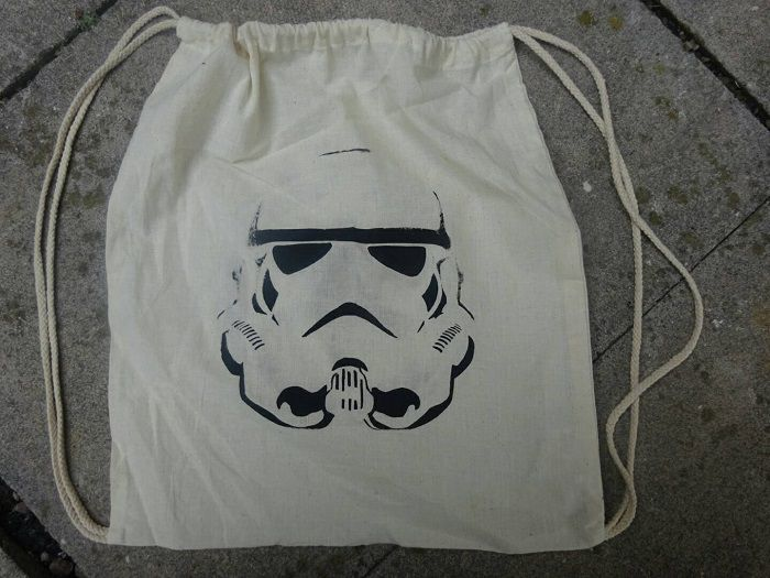 sac-star-wars-stormtrooper-empire-shopping [700 x 525]