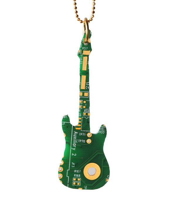 pendentif-circuit-imprime-ordinateur-guitare-electrique [591 x 709]