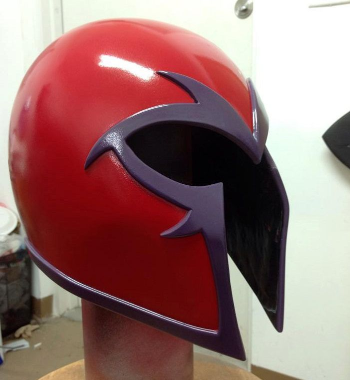 casque-magneto-cosplay-rouge [700 x 759]