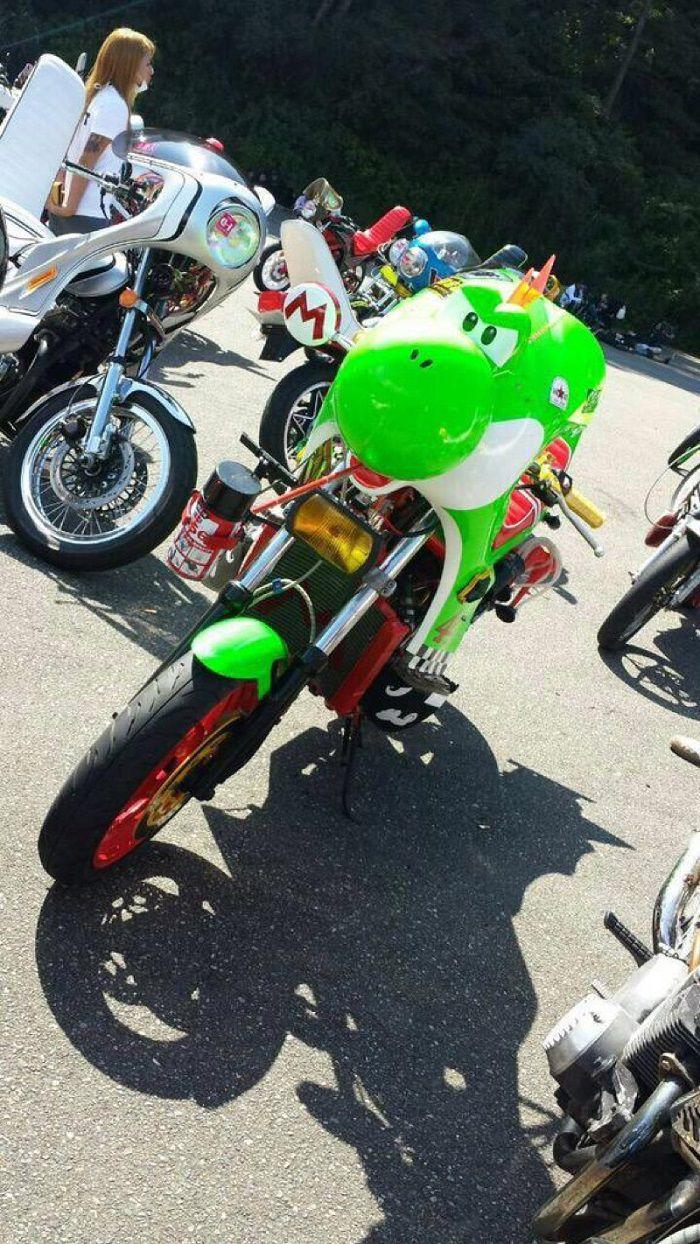 moto-yoshi-custom-japon-mario-2 [700 x 1244]