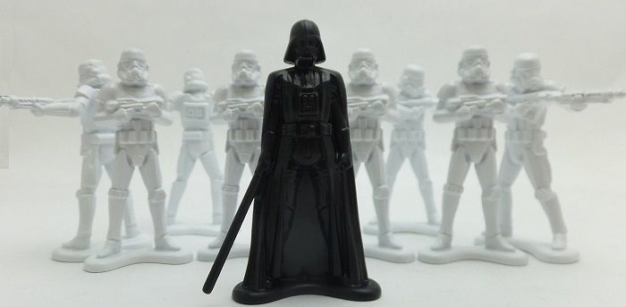 star-wars-petit-soldat-plastique-dark-vador-stormtrooper-collection [700 x 343]