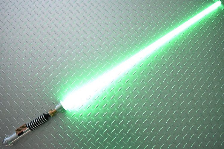 star-wars-sabre-laser-luke-skywalker-cosplay-2 [750 x 500]