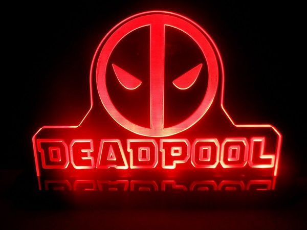lampe-deadpool-veilleuse-led-decoration-enseigne-bureau [600 x 450]