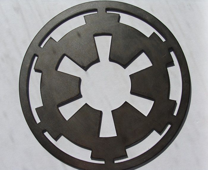 star-wars-logo-empire-panneau-mural-metal-acier-plaque-decoration [700 x 572]