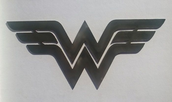 wonder-woman-dc-comics-logo-panneau-mural-metal-acier-plaque-decoration [700 x 415]
