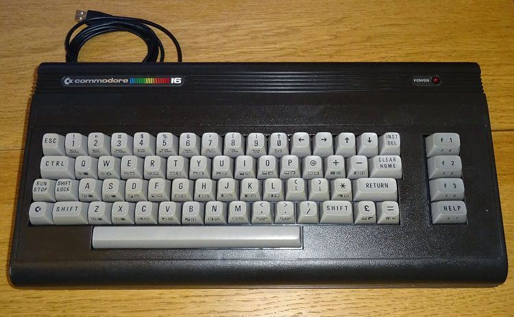 commodore-16-clavier-USB-PC [750 x 463]