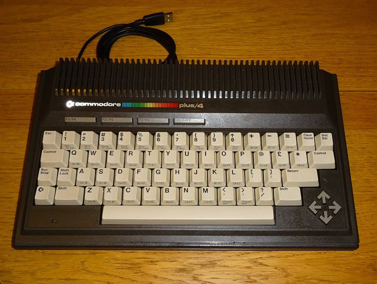 commodore-plus-4-clavier-USB-PC [750 x 564]
