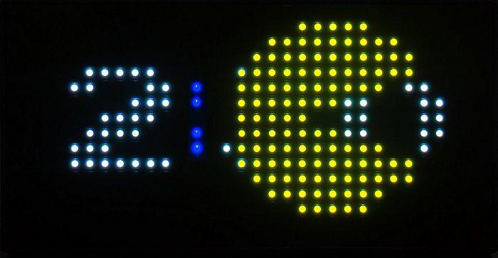 horloge-pac-man-bureau-35- anniversaire-pixel-8-bit-retrogaming-2 [700 x 363]