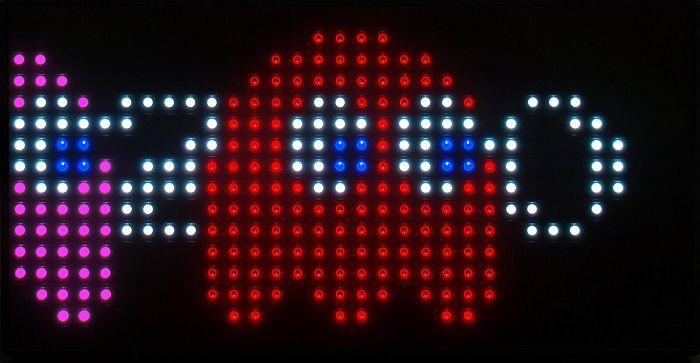 horloge-pac-man-bureau-35- anniversaire-pixel-8-bit-retrogaming-3 [700 x 363]
