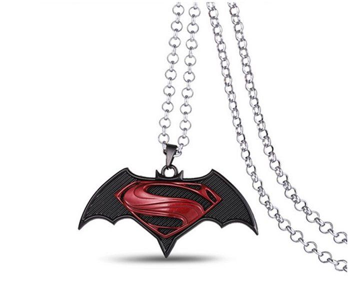 pendentif-batman-v-superman-femme-logo [700 x 487]