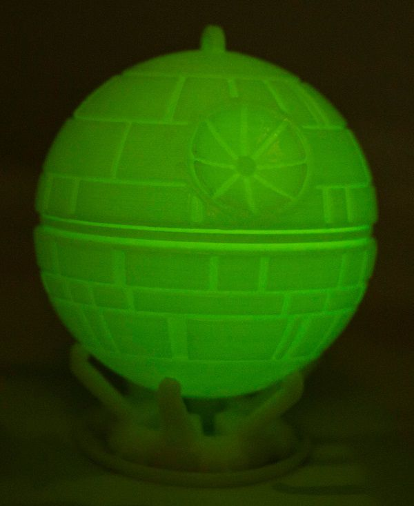 star-wars-etoile-mort-death-star-phosphorescent-imprimante-3d-print [600 x 733]